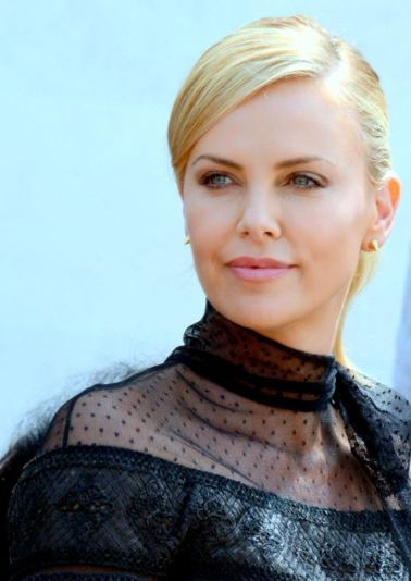 Charlize_Theron_Cannes_2015_3.jpg